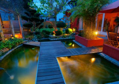 06-private-garden-at-sunset-1202158-845x476
